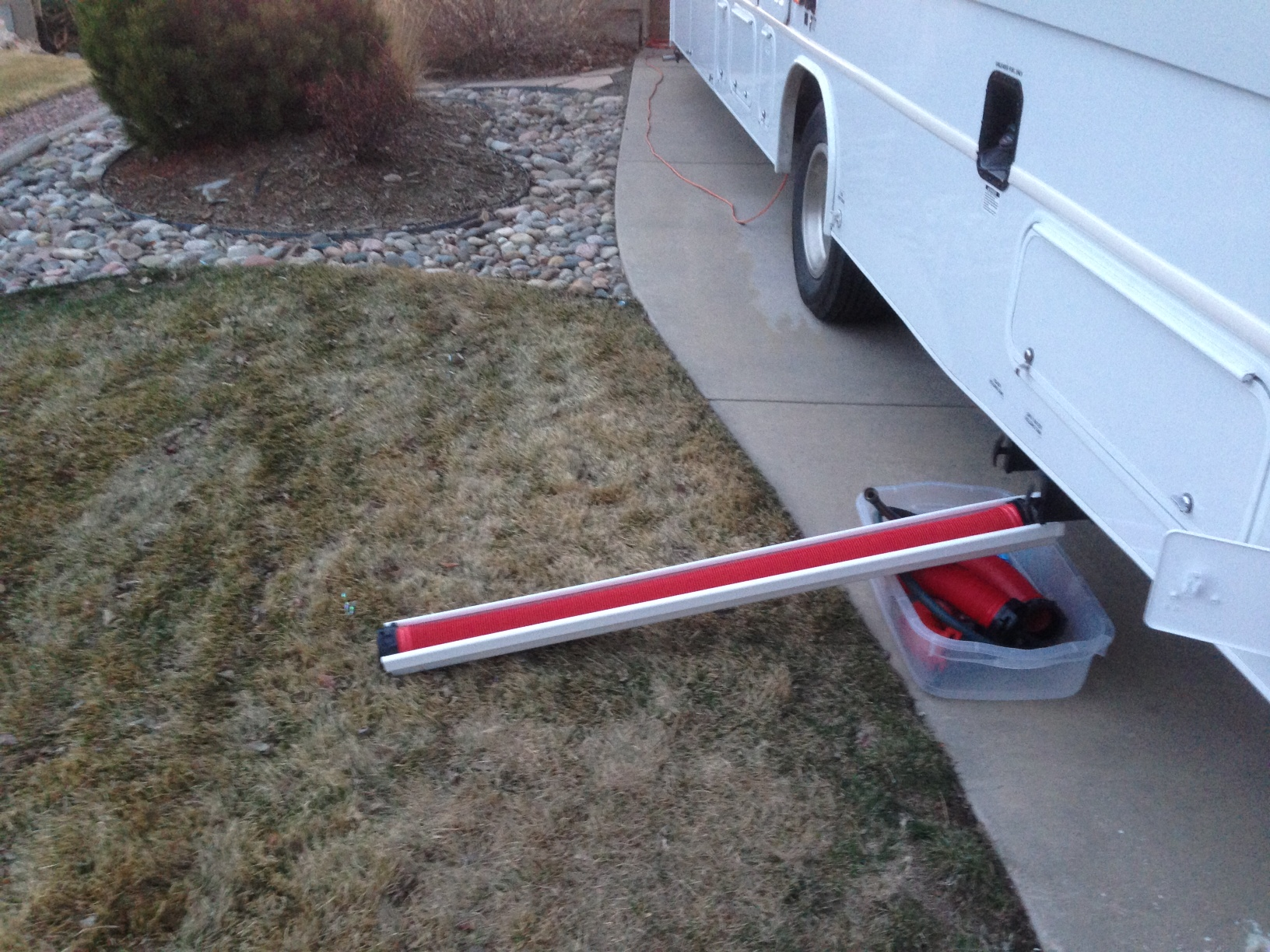 how to keep rv water hose from freezing